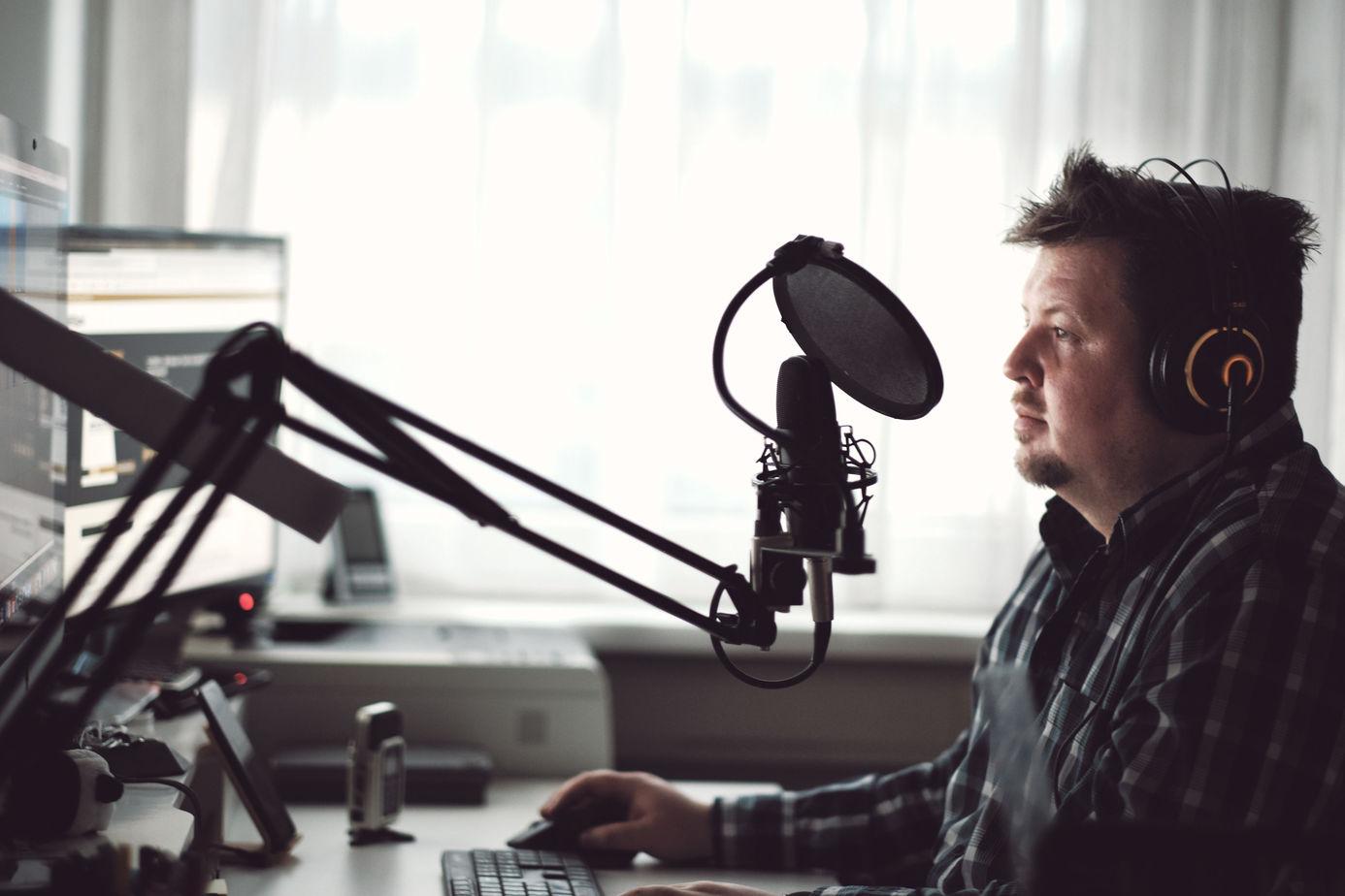 Wie können Podcasts dabei helfen Beziehungen und Netzwerke aufzubauen?
